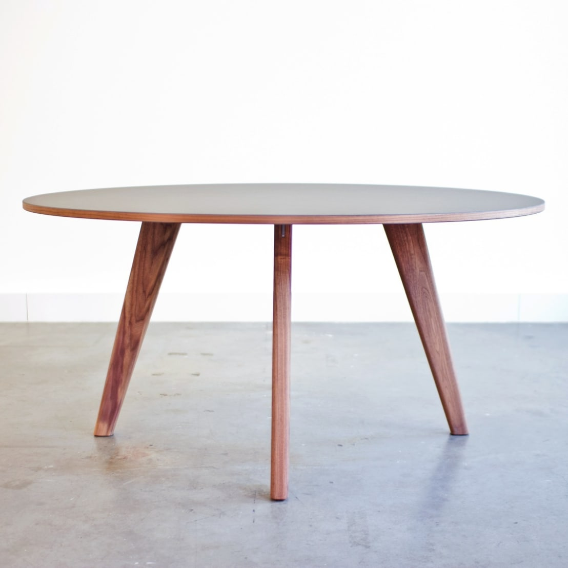 Tr table di tieme rietveld meubels en interieur homify for Table th ou tr