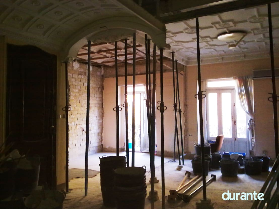 La reforma de una casa antigua en el ensanche valenciano for Reforma de una casa