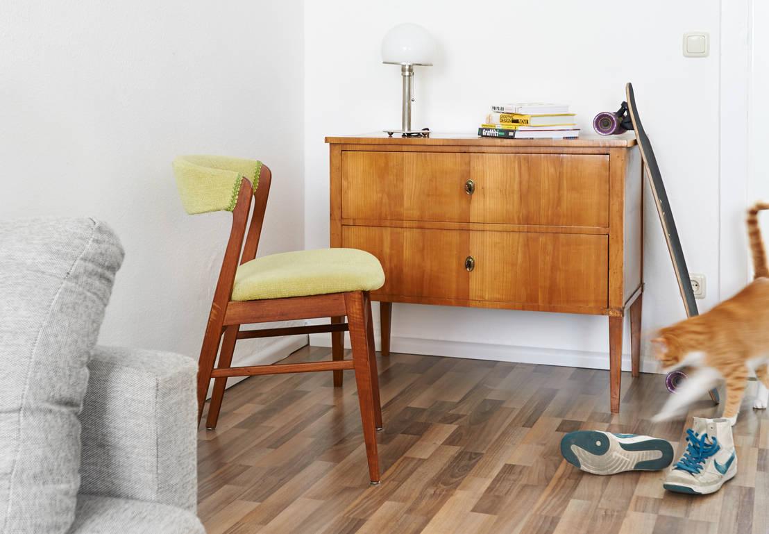 modernes wohnen mit antiken m beln von antike m bel metzner homify. Black Bedroom Furniture Sets. Home Design Ideas