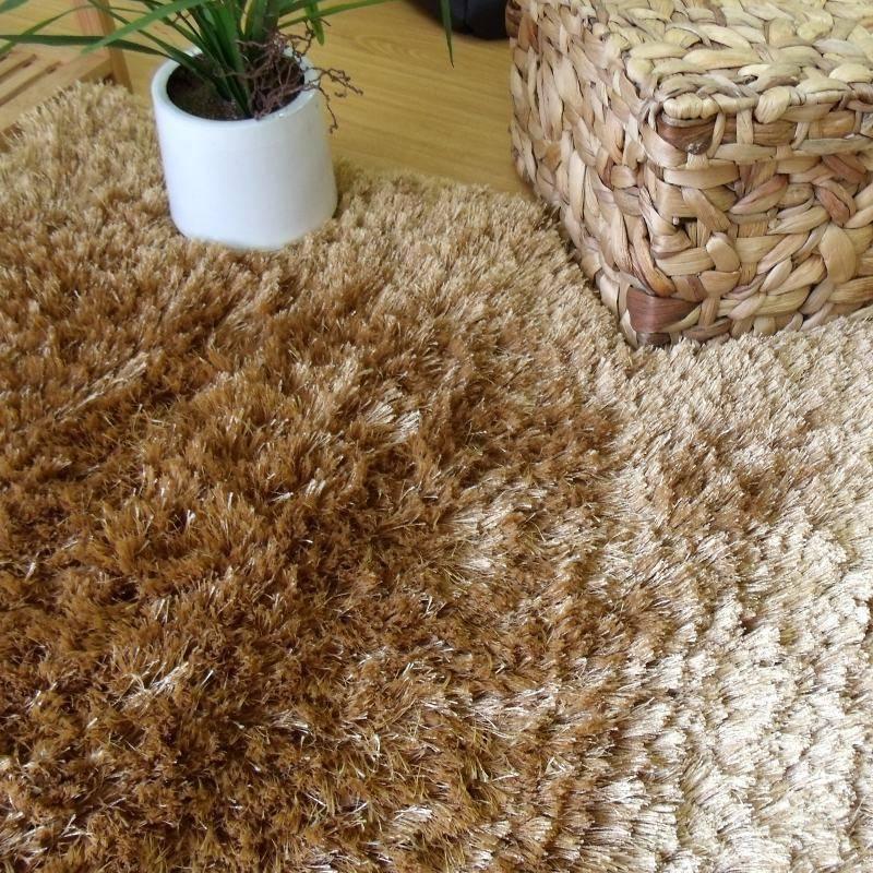 Vestir suelos con alfombras de hilo multicolores por for Alfombras de hilo