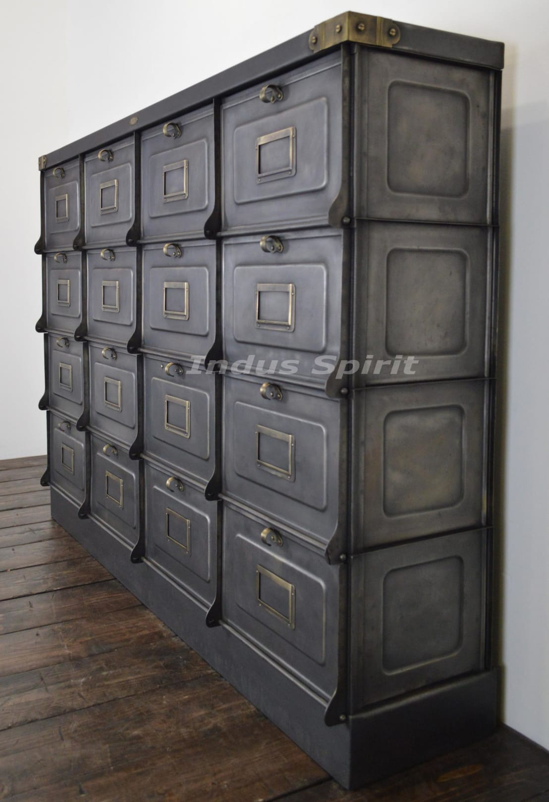 restauration meuble clapet strafor 1930 por indus spirit homify. Black Bedroom Furniture Sets. Home Design Ideas