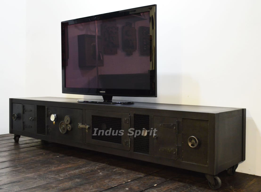 cr ation meuble tv industriel xxl profesjonalista indus spirit homify. Black Bedroom Furniture Sets. Home Design Ideas