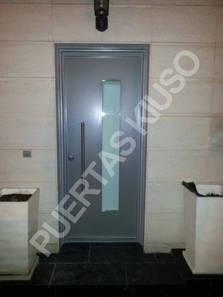 Puertas kiuso puertas cristal hoja homify - Puertas kiuso ...
