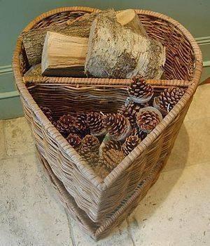 heart shaped log basket by hunter gatherer homify. Black Bedroom Furniture Sets. Home Design Ideas