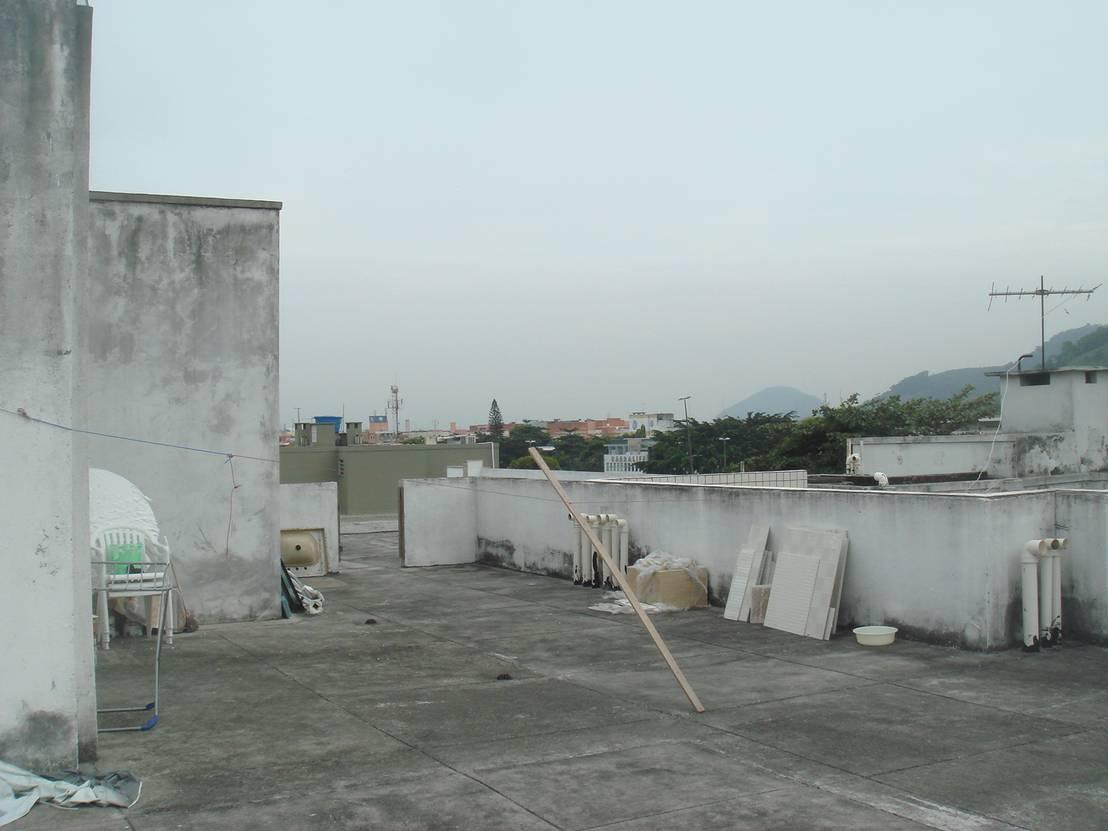 Da tetto abbandonato a terrazza con veranda eccezionale