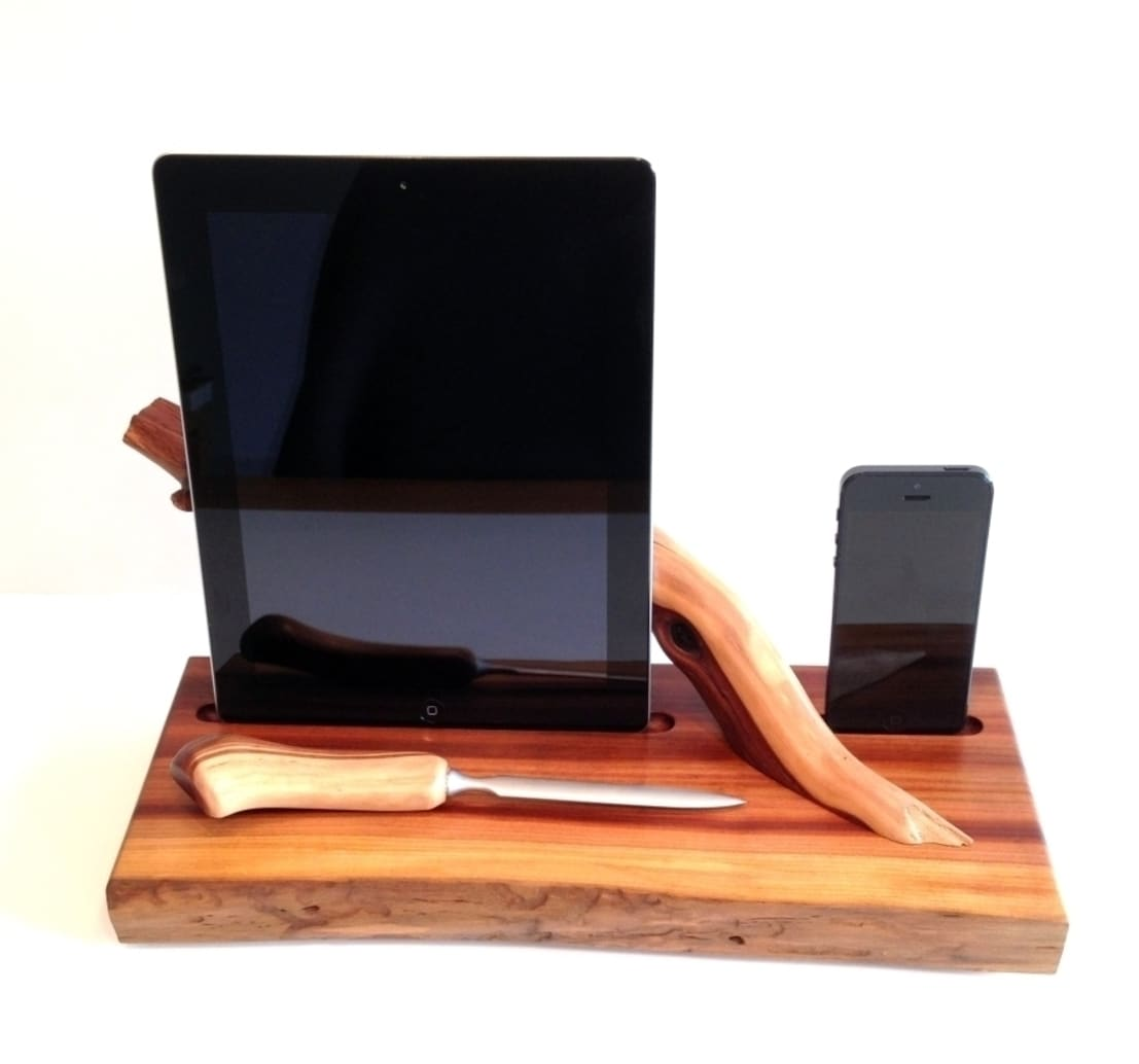 dockingstation holz f r apple iphone 5 5s u ipad 2 ladestation aus apple manzanita wood by. Black Bedroom Furniture Sets. Home Design Ideas