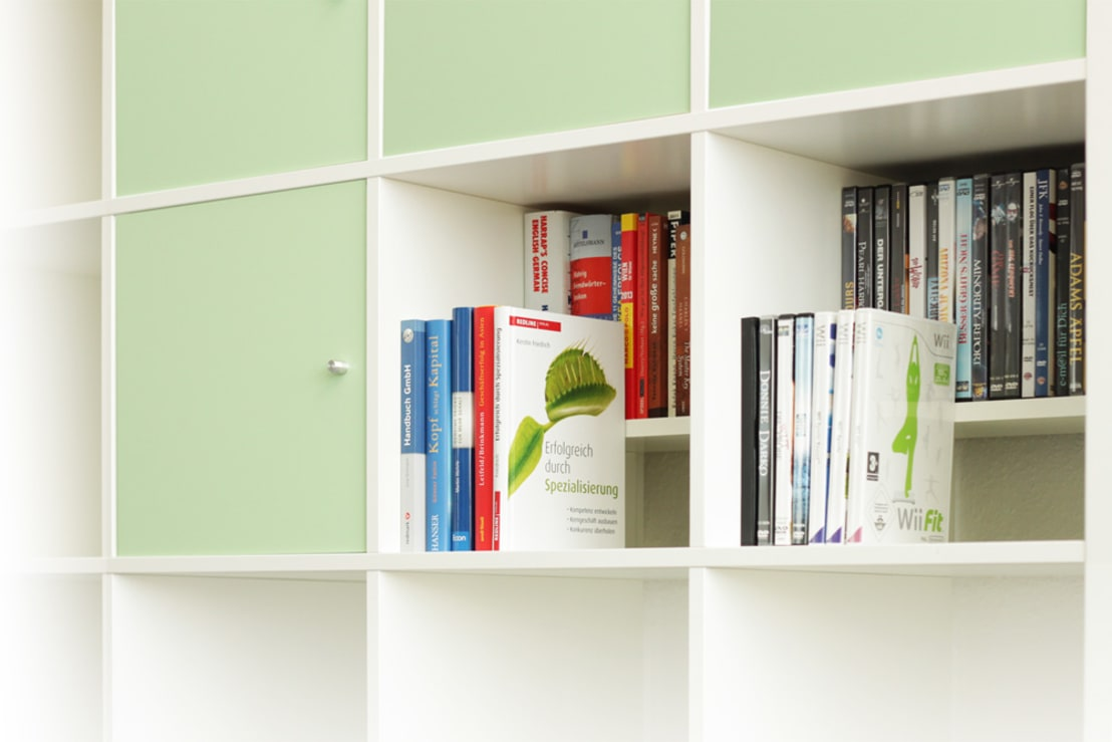 trappsteg dvd bluray einsatz f r expedit regal von nsd new swedish design gmbh homify. Black Bedroom Furniture Sets. Home Design Ideas