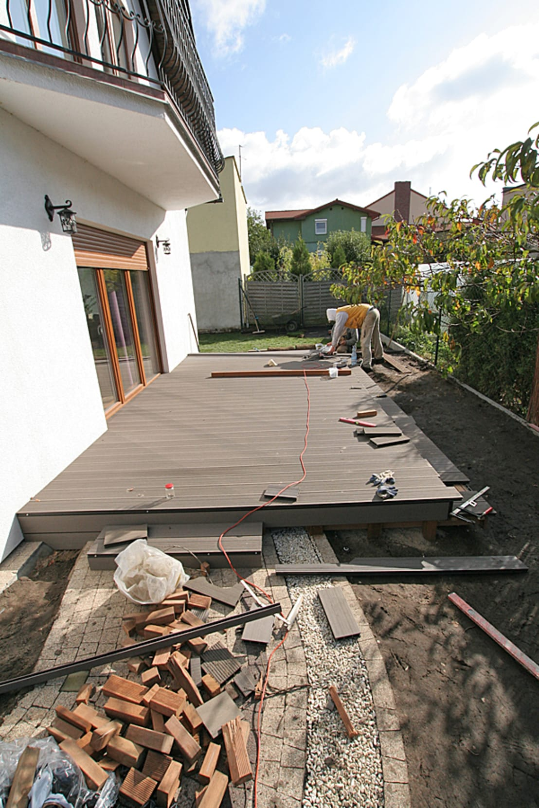 Home improvement how to build a deck in 3 steps for Steps on building a house