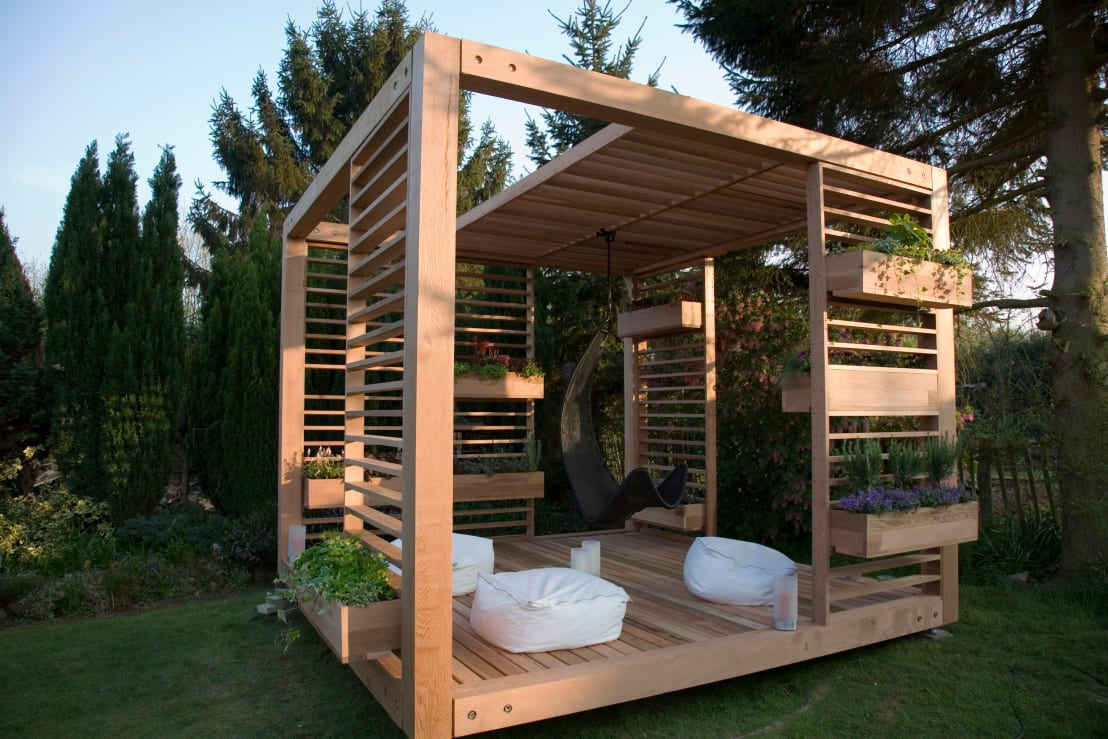 mit der richten pergola den garten aufpeppen. Black Bedroom Furniture Sets. Home Design Ideas