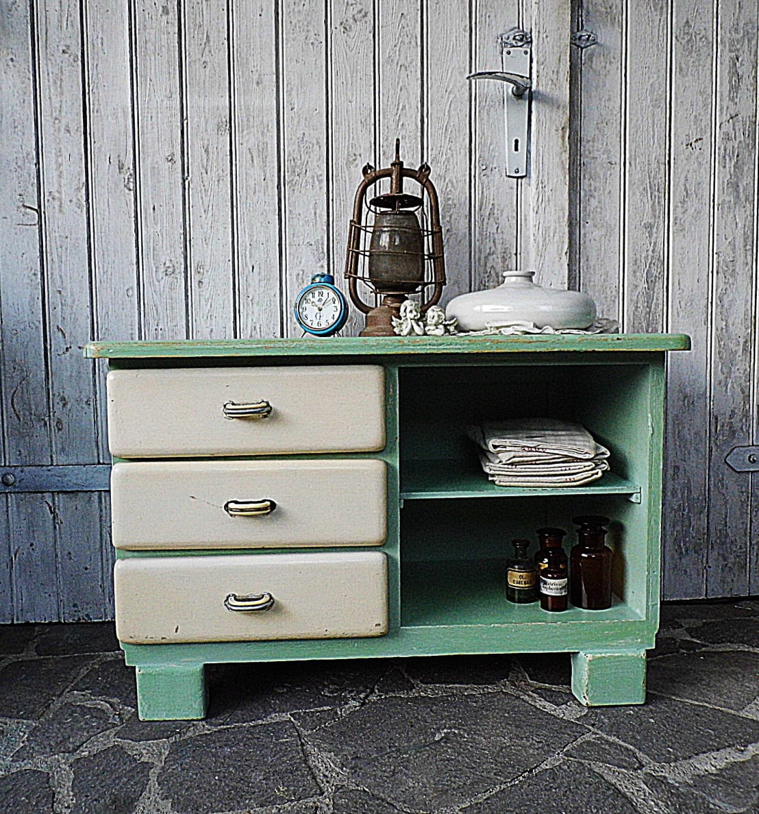 vintage kommode pastell shabby chic von gerne wieder gbr homify. Black Bedroom Furniture Sets. Home Design Ideas