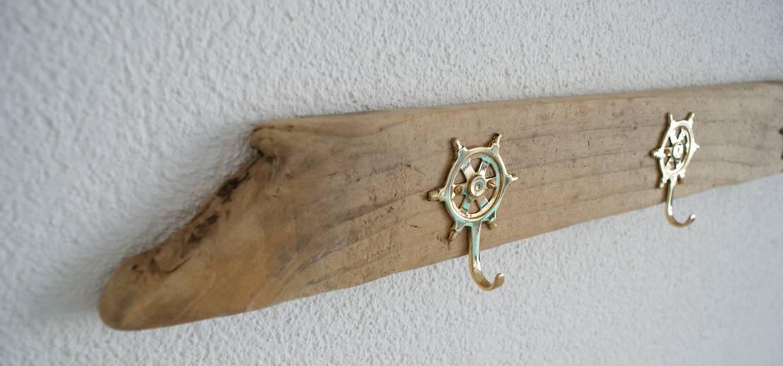 Treibholz garderobe mit steuerrad haken von nordic art for Garderobe treibholz
