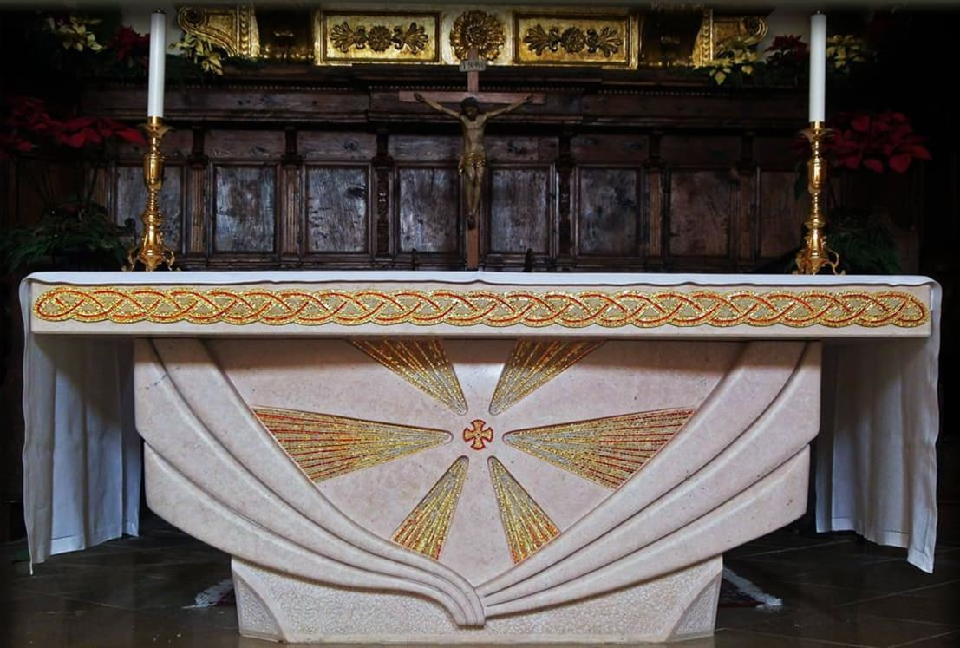 Tessere arte mosaico altare arredo sacro homify for Arredo sacro