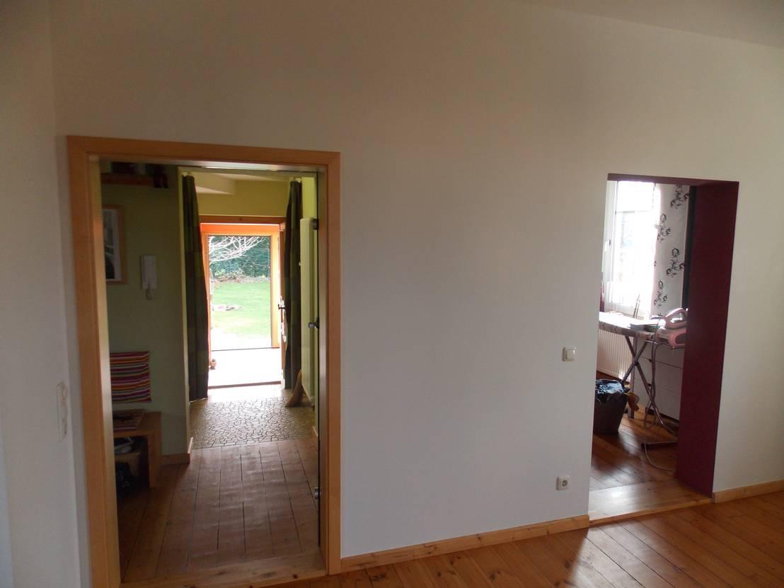 spiegel regal sowie schiebet r aus altholz mit einem. Black Bedroom Furniture Sets. Home Design Ideas
