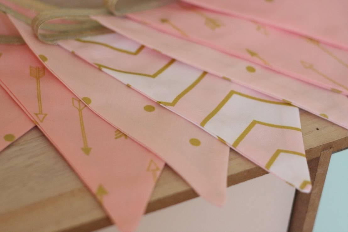 guirlande de fanions pink gold par timoth toi homify. Black Bedroom Furniture Sets. Home Design Ideas