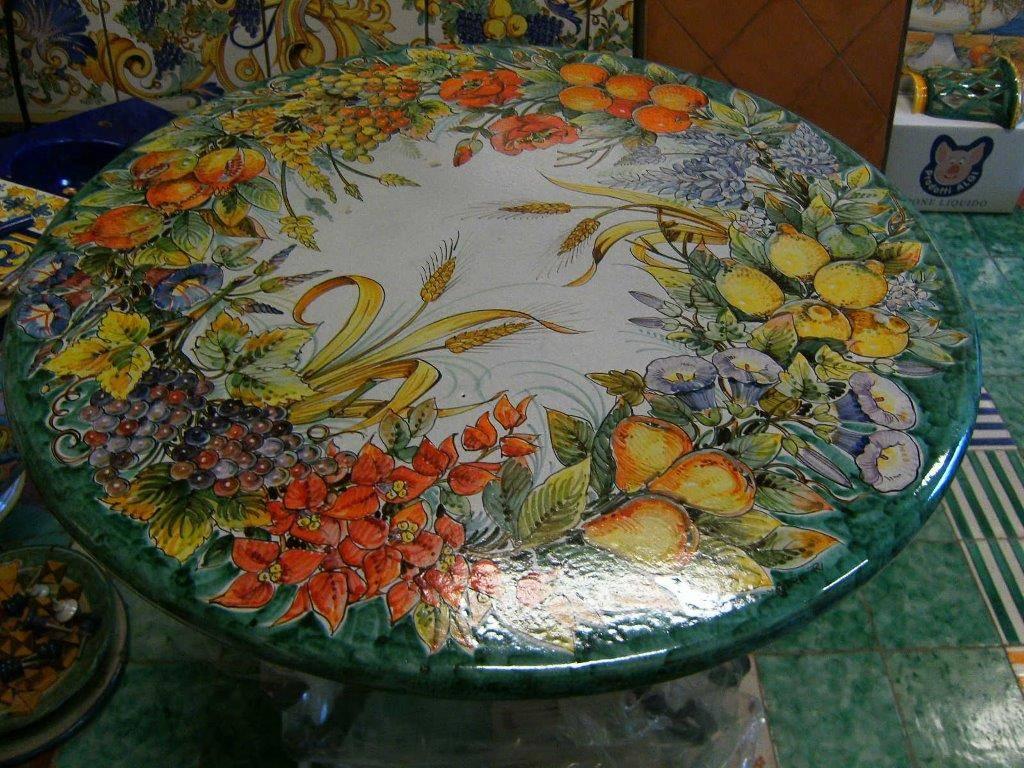 Tavolo in pietra lavica decorato a mano von ce ar - Tavolo pietra lavica ...