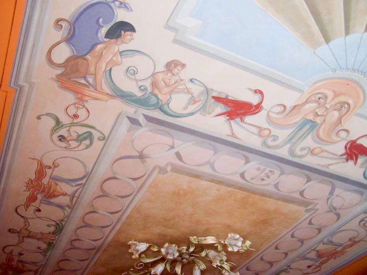 Decorazione a grottesche di un soffitto di sulla soglia - Decorazioni artistiche ...