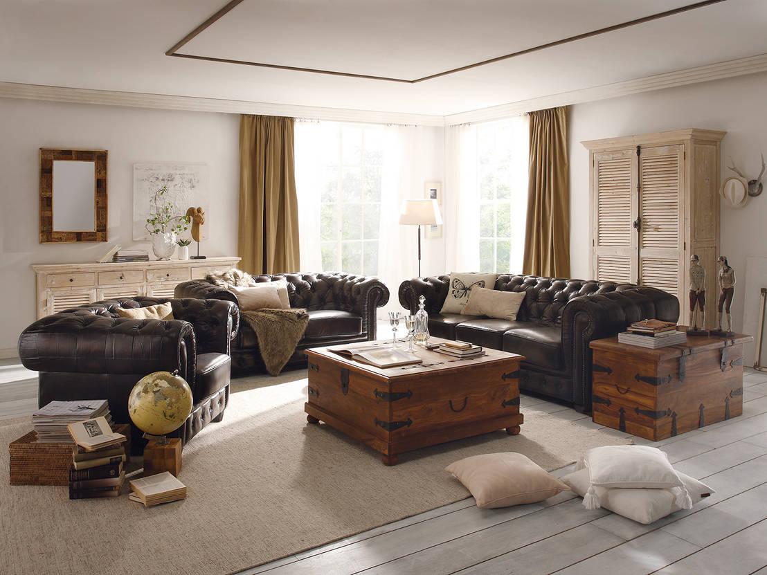 Verschiedene Chesterfield Esszimmerstühle Foto Von