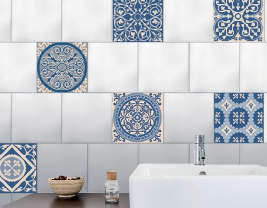 Carrelage de salle de bain imitation carreaux de ciment for Carreaux salle de bain bleu