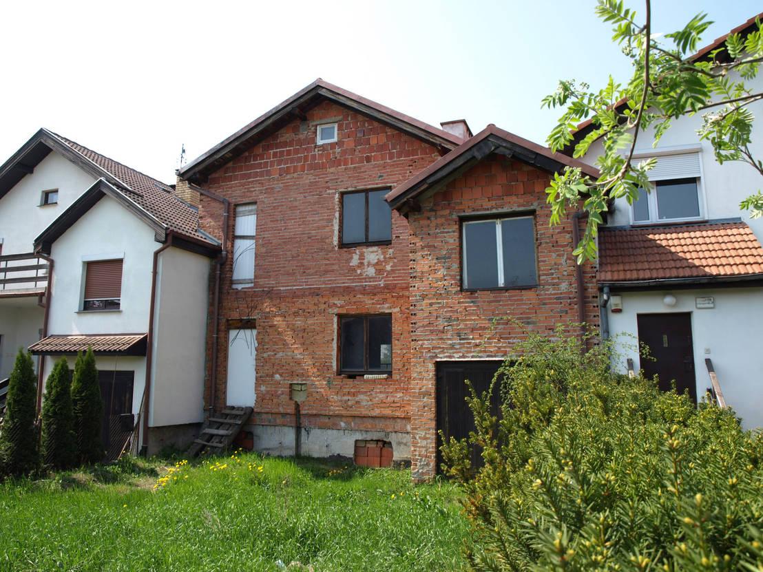 Voor en na verwaarloosd huis krijgt een tweede leven - Voor na gerenoveerd huis ...