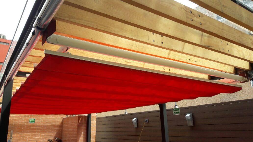 Palilleria zen motorizada entre paredes sobre estructura for Homify mexico