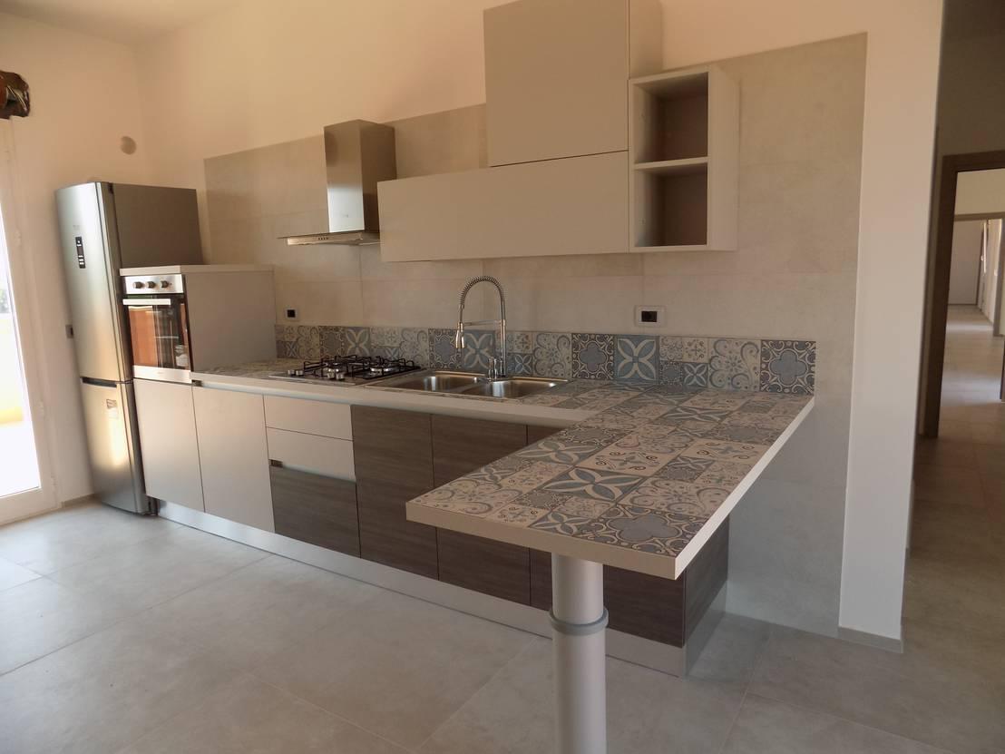 6 ideas con cer mica para el tope de tu cocina for Modelos de pisos de cocina