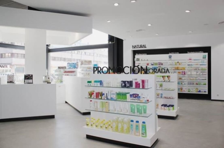 Farmacias de architect hugo castro hc estudio for Arquitectura y decoracion
