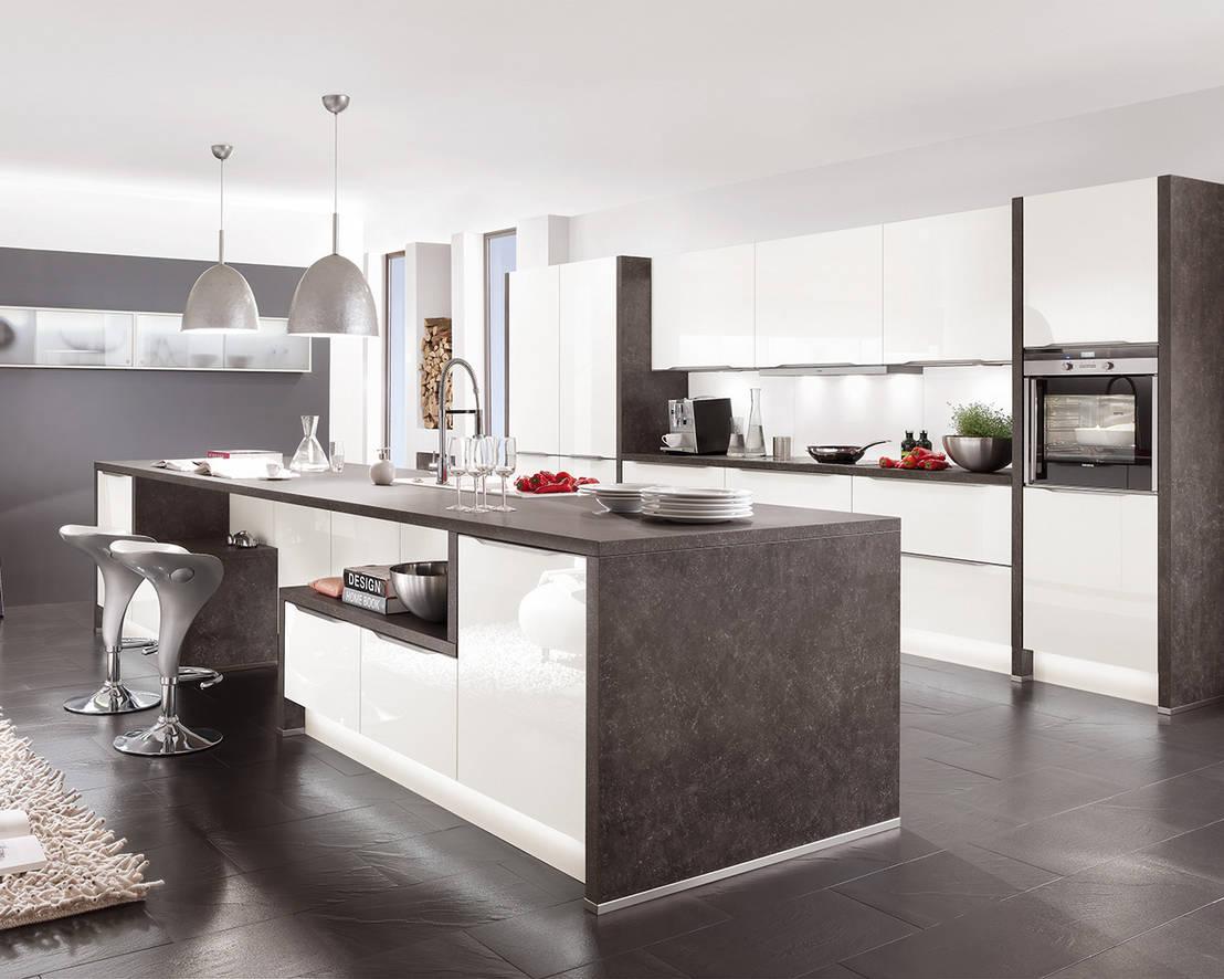 Cocina moderna isla marbella por cocinas s nchez y for Cocinas marbella