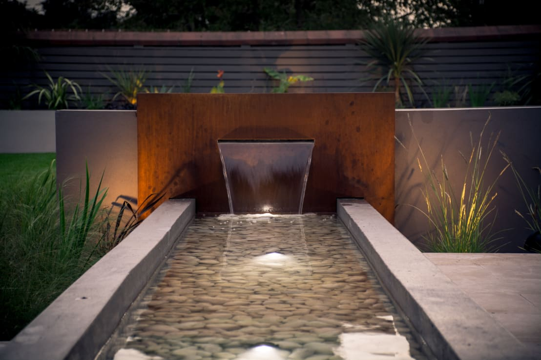 Water features for your home Home water features