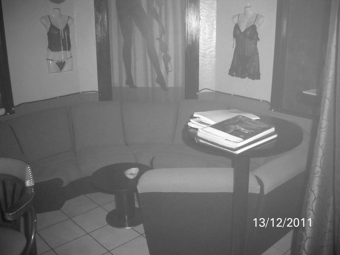 r fection compl te d 39 un boite de nuit le rdv club rouen par tendances d co homify. Black Bedroom Furniture Sets. Home Design Ideas