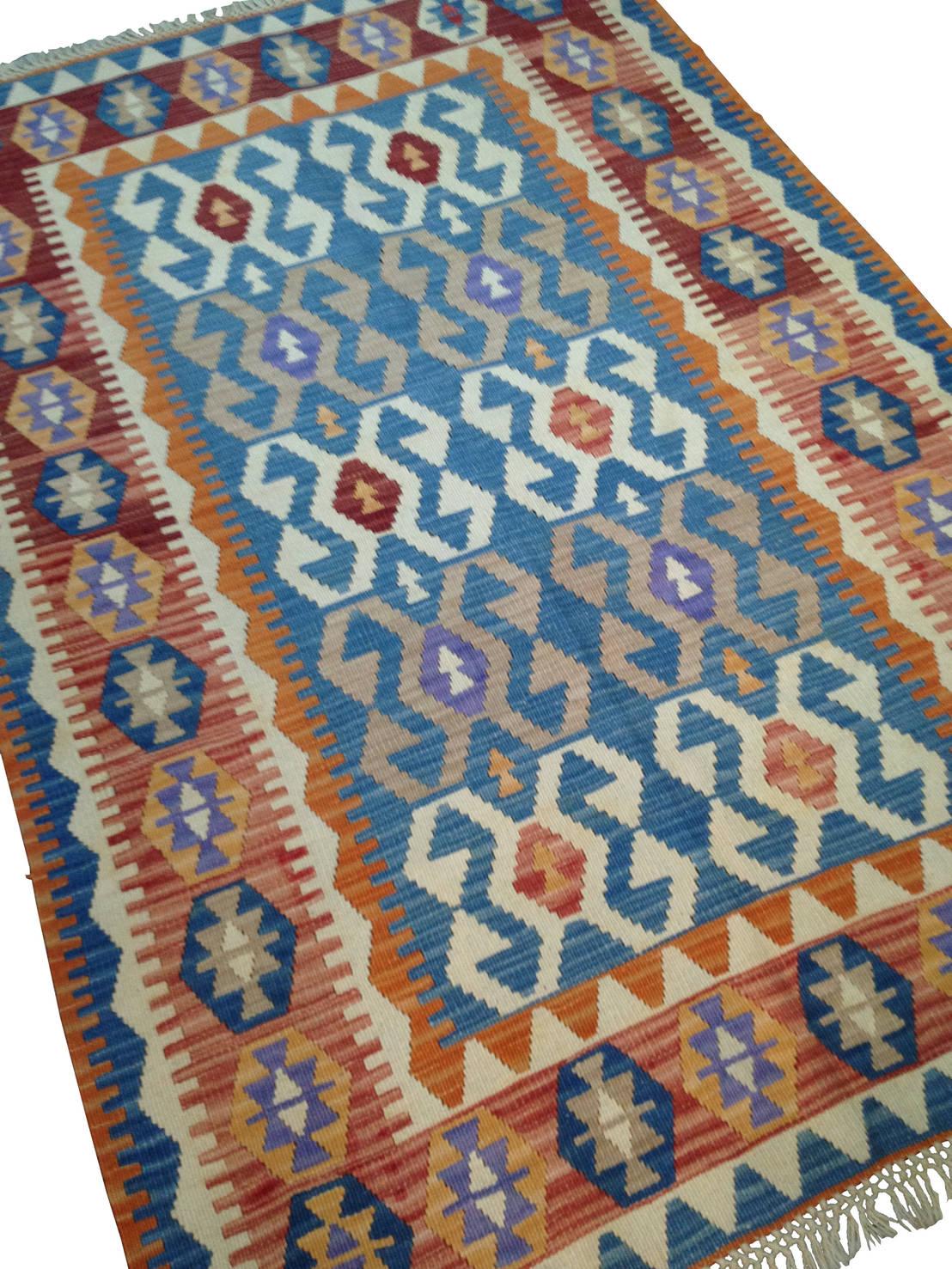 tapis oriental kilim pour salon por karavaneserail homify. Black Bedroom Furniture Sets. Home Design Ideas