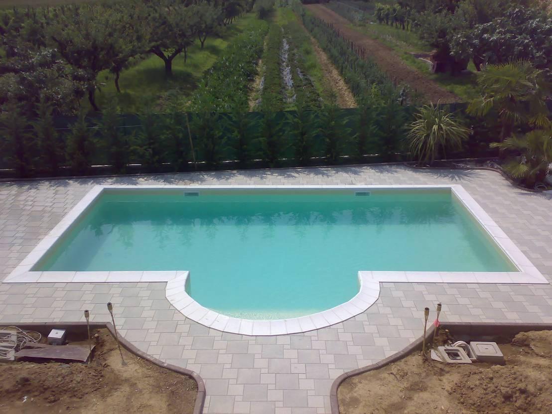 Piscina interrata a skimmer in casseri di polistirolo a - Aquazzura piscine ...