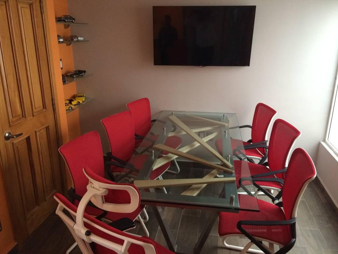 Muebles para oficina de stann designs s a de c v homify for Muebles de oficina 77
