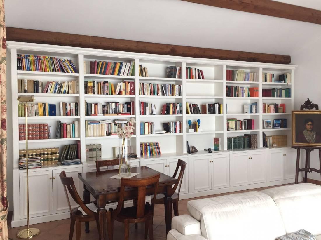 Prezzo Libreria Su Misura.Librerie Su Misura In Legno Di Falegnameria Su Misura Homify