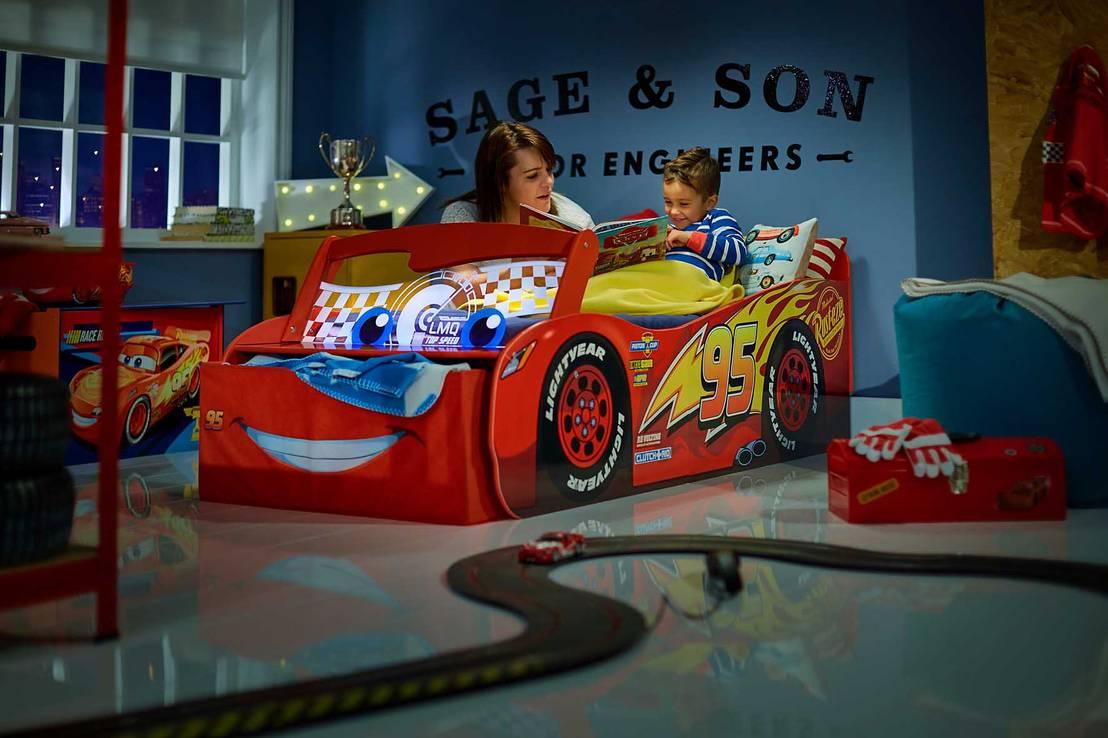 Dormitorio infantil cars disney de homify - Dormitorios de cars ...