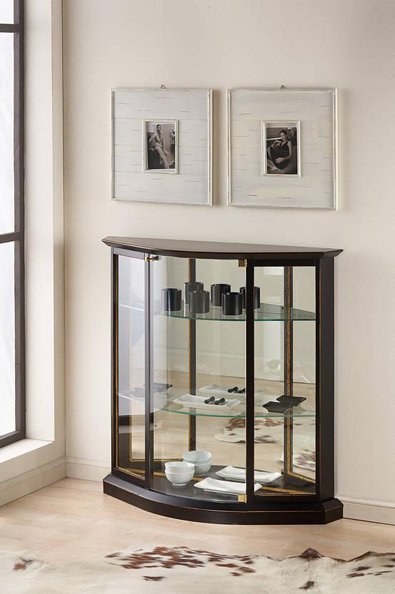 Tra classico e moderno la vetrinetta per la casa for Casa contemporanea arredamento