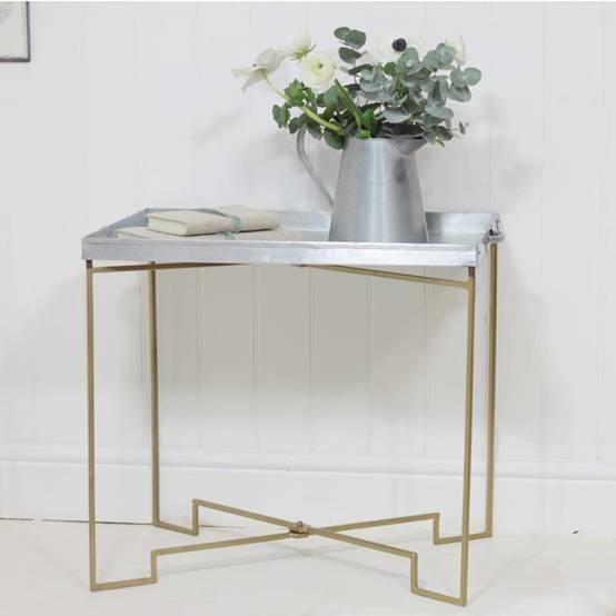 mobilier en m tal design. Black Bedroom Furniture Sets. Home Design Ideas