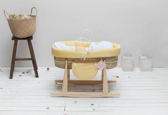 Babywiege stubenwagen babybett babymöbel holz weiß wiege auf