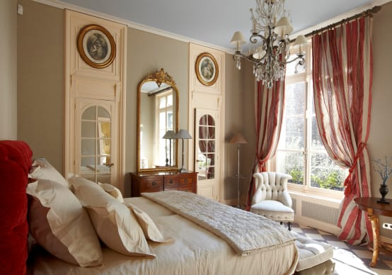 eine majest tische wohnung in paris. Black Bedroom Furniture Sets. Home Design Ideas