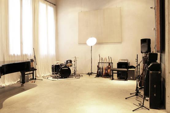 Uno studio di registrazione come una casa - Mobili studio registrazione ...