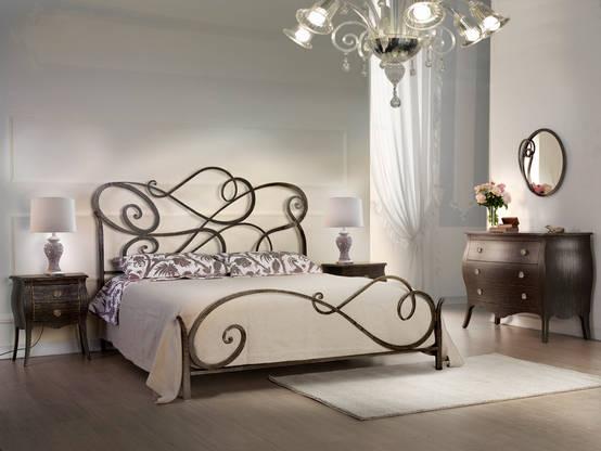 I letti in ferro battuto un classico sempre di tendenza - Camera da letto marrone ...