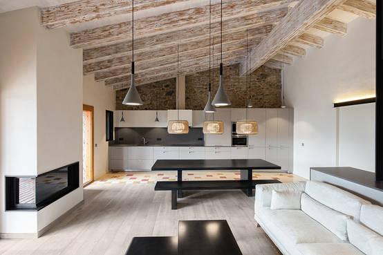 El encanto de los techos con vigas 10 fabulosos ejemplos - Como decorar una columna ...