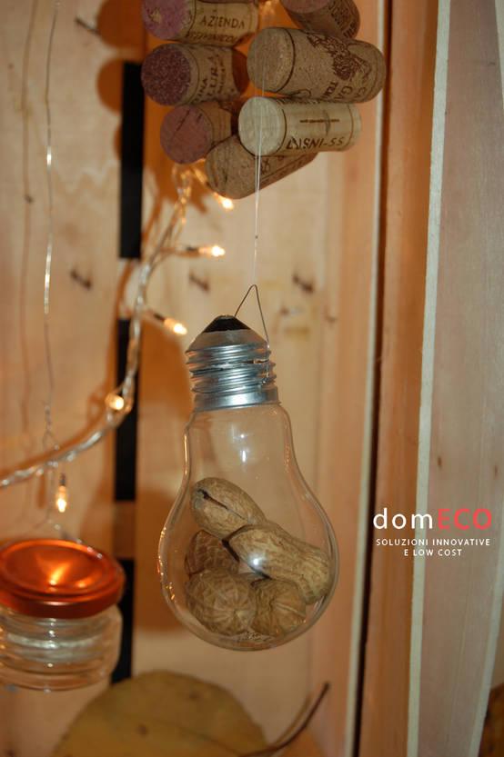 Eco decoratie voor thuis gloeilampen en sinaasappelschillen die kunstig mooi zijn - Decoratie voor wijnkelder ...