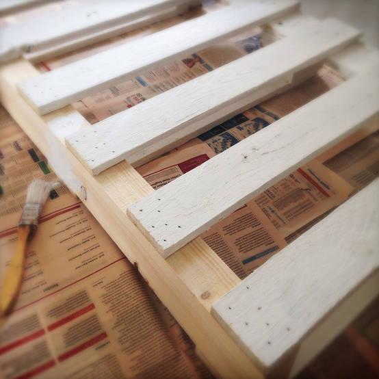 Diy una mesa con palets paso a paso for Mesa de palets paso a paso
