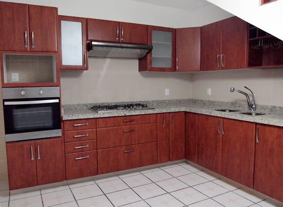20 cocinas integrales con superficies de mármol y granito
