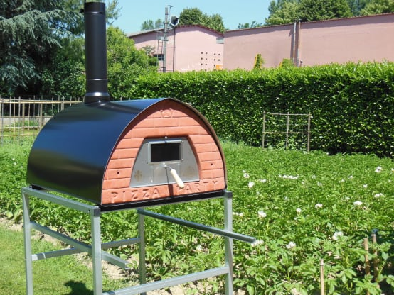 Wood fired pizza oven Pizzone