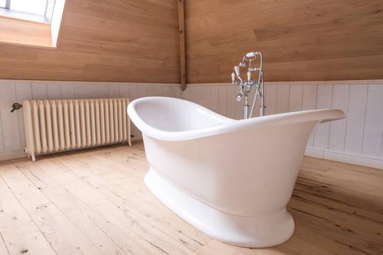 Gestucte Badkamer Nadelen : Badkamer voorbeelden met een vrijstaand bad