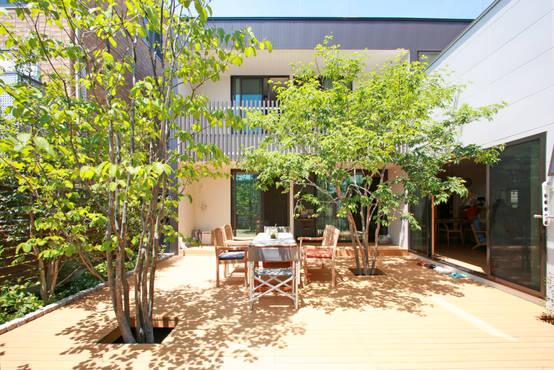 나무그늘 아래 소박한 브런치가 어울리는 46평 단독주택