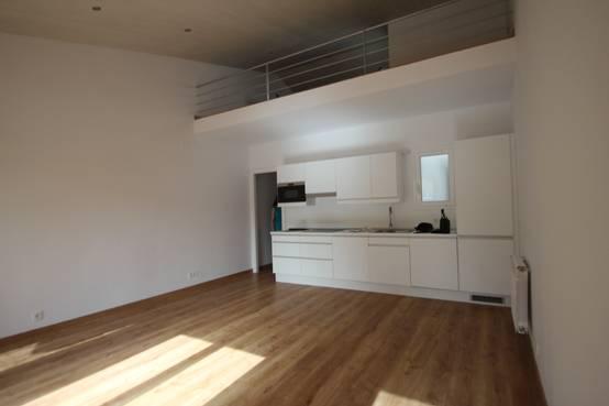 Antes y despu s un piso en barcelona con decoraci n low cost for Decoracion piso low cost