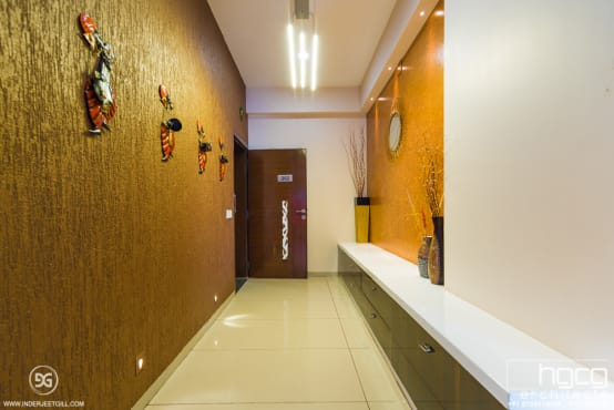 A lavish home in ahmedabad for Bathroom accessories in ahmedabad
