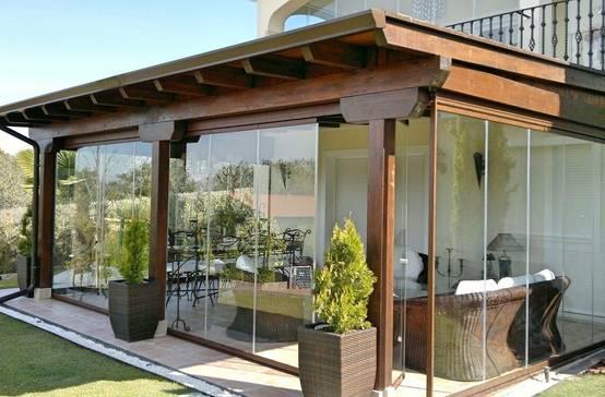 Terrazas y pergolas de madera 17 ideas para decorar for Cortinas para terrazas acristaladas